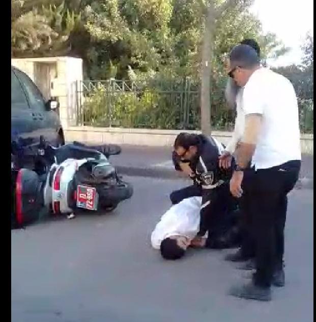 """תיעוד: דו""""ח תנועה נגרר למעצר אלים, ומה תגובת המשטרה?"""