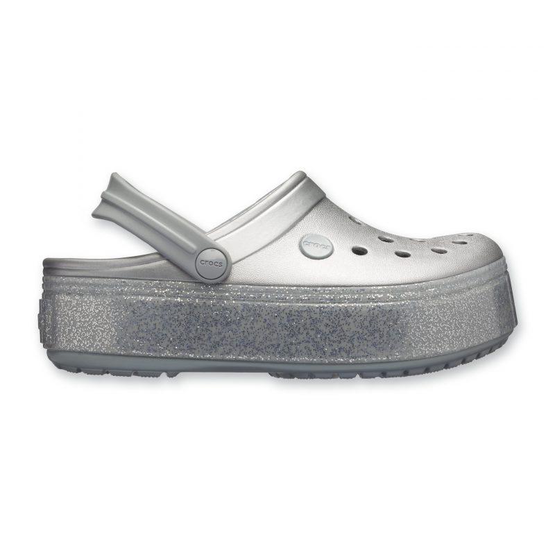 נעלי קרוקס ברשת וישוז מחיר 239.90 צילום עמירם בן ישי