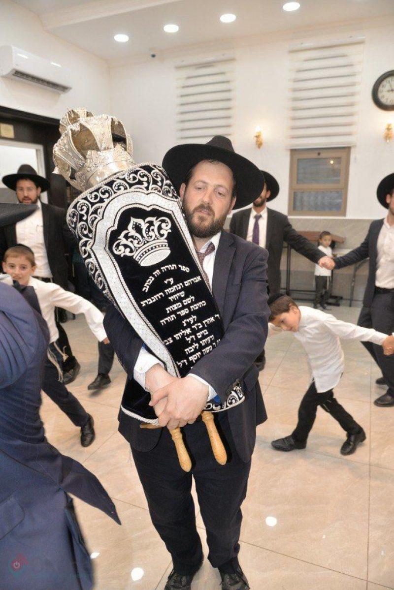 הכנסת ספר תורה בית כמסת זכרון שמואל   צילום ארי קופרשטוק 